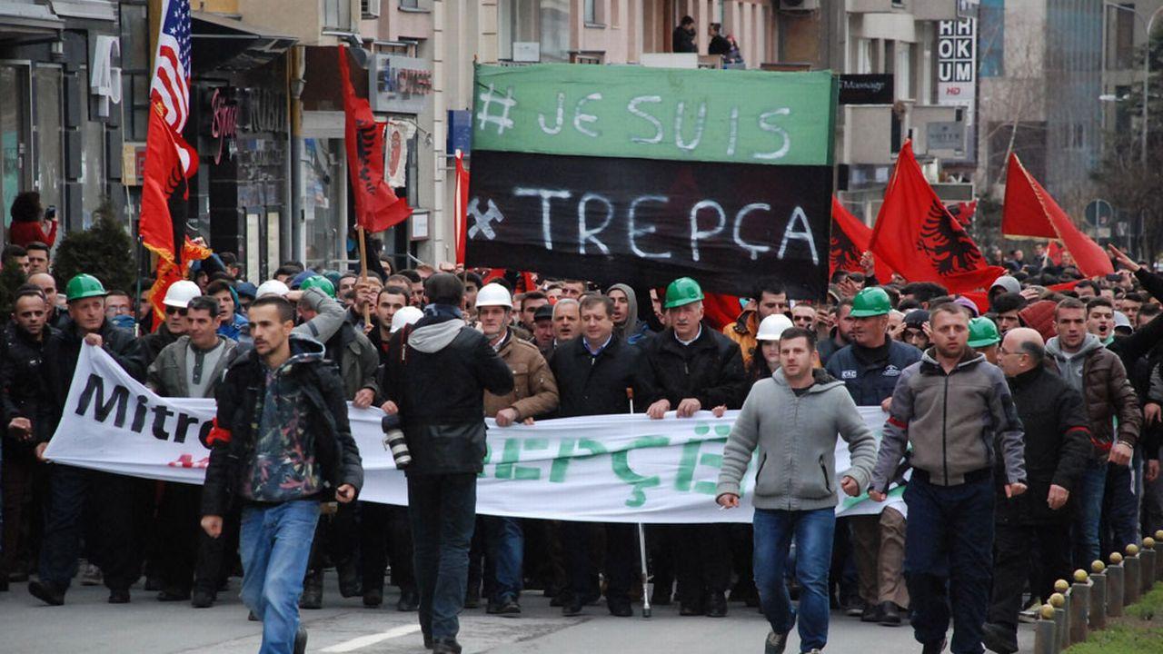 Entre 7000 et 30'000 personnes selon les sources ont manifesté dans les rues de Pristina au Kosovo, samedi 24 janvier. [Erkin Keci - Anadolu Agency - AFP]