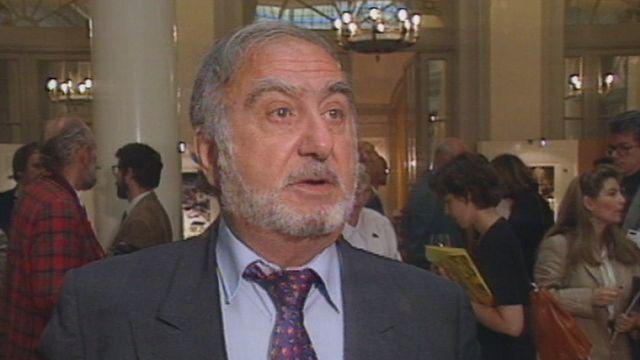 Nicolas Hayek interrogé sur le franc fort en 1995. [RTS]