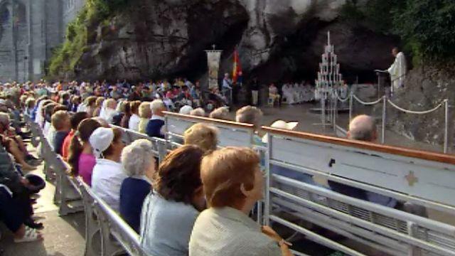 Le pèlerinage est accompli dans une authentique communion.