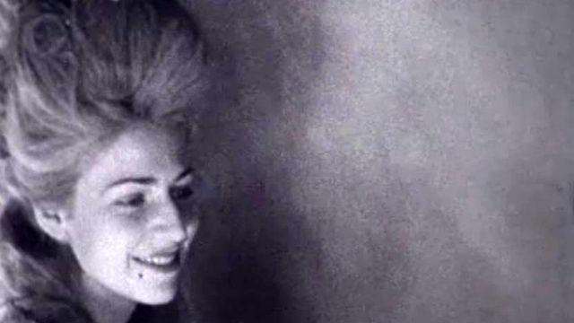 Les coiffeurs sont innovants en 1941 et leurs modèles bien jolies.