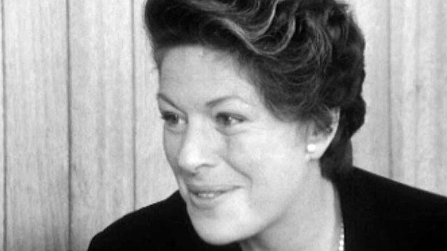 L'actrice a assuré la mise en scène de la pièce Adorable Julia.