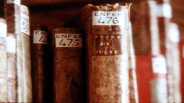 L'enfer des bibliothèques recèle des livres érotiques. [RTS]