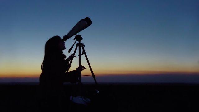 L'astronomie n'est pas qu'une affaire d'hommes. Igorfp Fotolia [Igorfp - Fotolia]