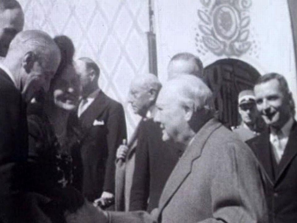 En 1946 Winston Churchill se rend à Bursinel, pour s'y reposer un mois.