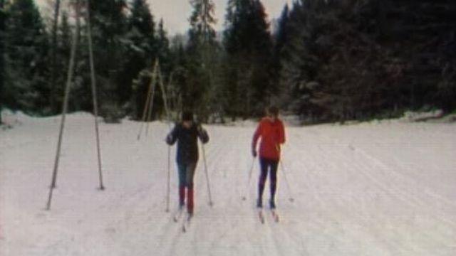 Conseils pour bien pratiquer le ski de fond. [RTS]