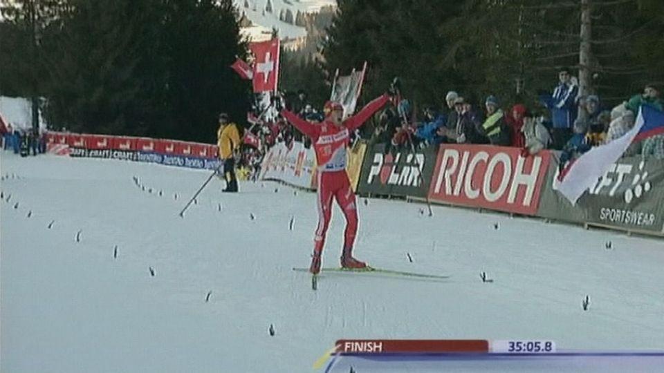 Dario Cologna, une star suisse du ski de fond en 2009. [RTS]