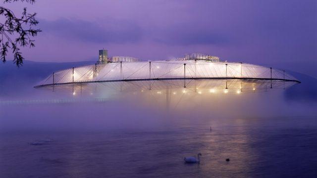 """La dernière exposition nationale, Expo.02, avait notamment dévoilé """"Le Nuage"""" sur l'Arteplage d'Yverdon. [Martin Ruetschi - Keystone]"""
