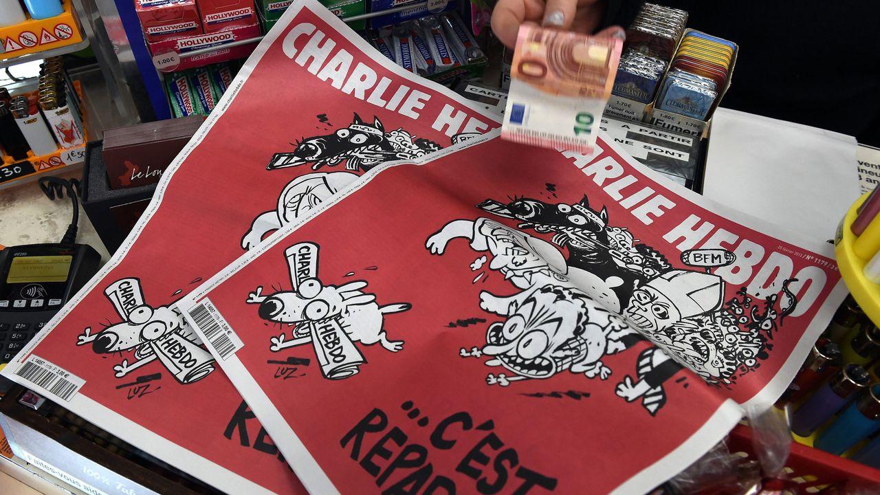 """Le journal satirique """"Charlie Hebdo"""" du 25 février 2015. [Pascal Guyot - AFP]"""