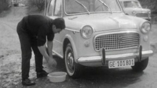 Evitez de laver votre voiture sur le domaine public. [RTS]