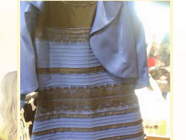 Robe noir bleu et blanc dore