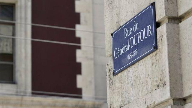 Une plaque de la rue au nom du Général Dufour à Genève. [Martial Trezzini - Keystone]