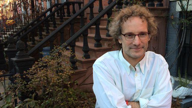 Theo Padnos, photographié à Brooklyn à l'occasion de sa rencontre avec la RTS. [Philippe Revaz - RTS]