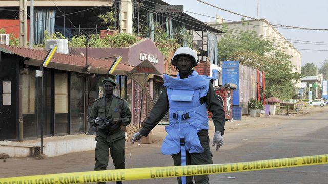 Cinq personnes ont été tuées au cours d'une attaque menée contre un restaurant de Bamako. [Habibou Kouyate - AFP]