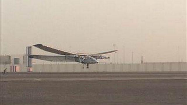 Solar Impulse a quitté le tarmac d'Abu Dhabi lundi matin.
