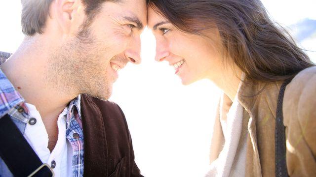 L'amour au premier regard. [goodluz - fotolia]