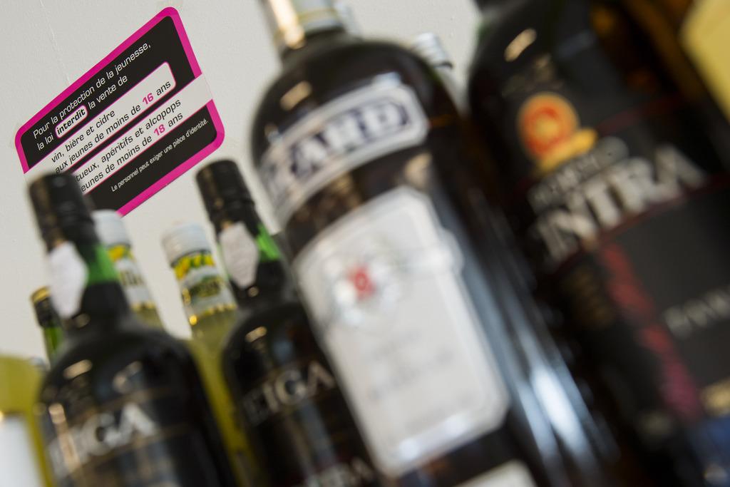 Un adolescent qui veut acheter de l 39 alcool y parvient une - Alcool a friction ou acheter ...