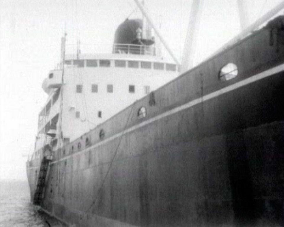 La guerre des Six Jours entraîne la fermeture du canal.