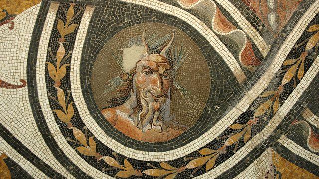Mosaïque romaine représentant le dieu Pan. [Nicholas J. Saunders - The Art Archive / Museo Nazionale Romano Rome / AFP]