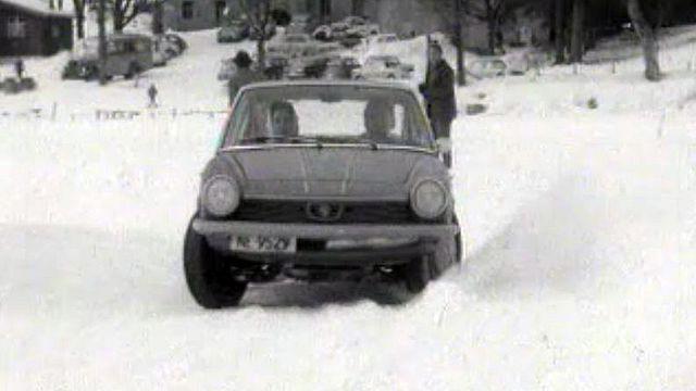 La conduite sur glace n'a pas de secrets pour Jo Siffert. [RTS]