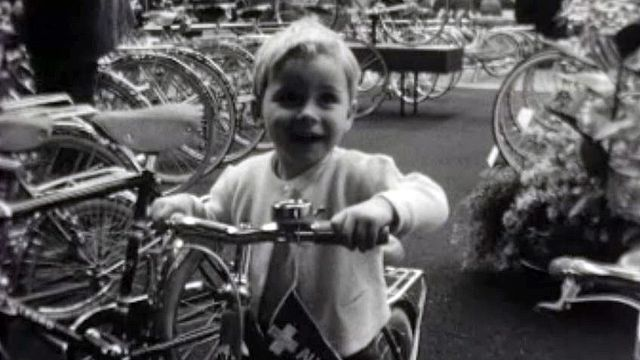 Des vélos exposés au Salon de l'automobile! C'était en 1963.