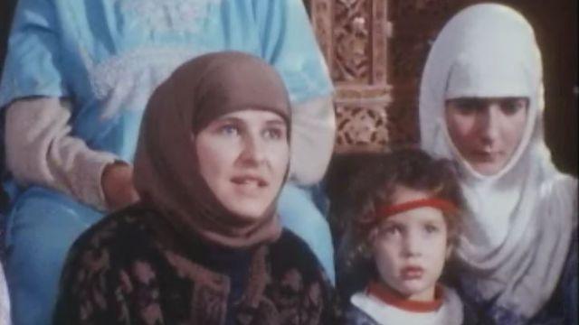 A Lausanne, les femmes converties se retrouvent au Centre islamique. [RTS]