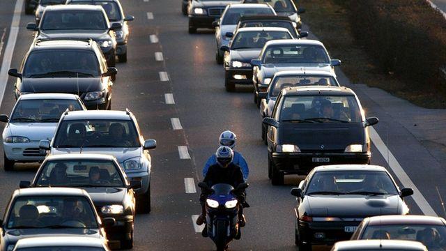 Les routes de Suisse sont engorgés [FABRICE COFFRINI - Keystone]