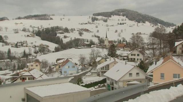 Le village fribourgeois de La Roche comptait sept musulmans en 2009. [RTS]
