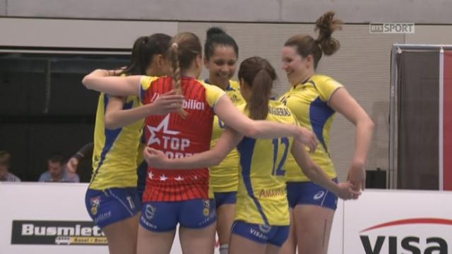 Finale, match 2: Volley Köniz - Volero Zürich (1-0): Köniz remporte aiséement le premier set 25-13 [RTS]