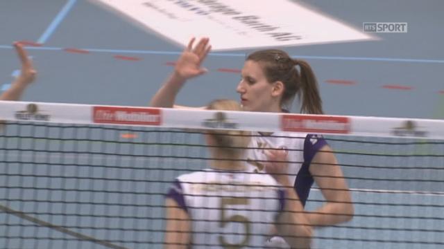 Finale, match 2: Volley Köniz - Volero Zürich (1-1): Volero Zürich égalise à un set partout en s'adjugeant la manche 25-14 [RTS]