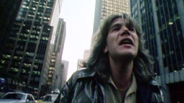 La nuit, dans les rues de New York, avec Patrick Juvet.
