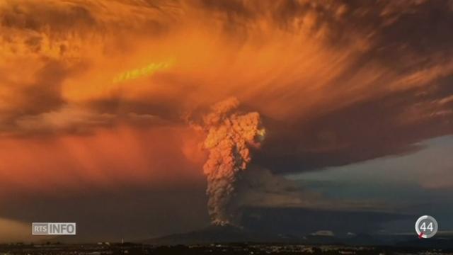 Chili: le volcan Calbuco s'est brusquement réveillé [RTS]