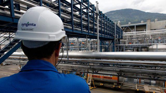 Le site chimique de Monthey (ici, Syngenta) est soumis à des mesures de sécurité sévères. [Jean-Christophe Bott]