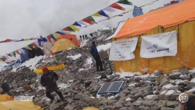 Népal - Séisme: des alpinistes se sont retrouvés bloqués en pleine ascension de l'Everest [RTS]