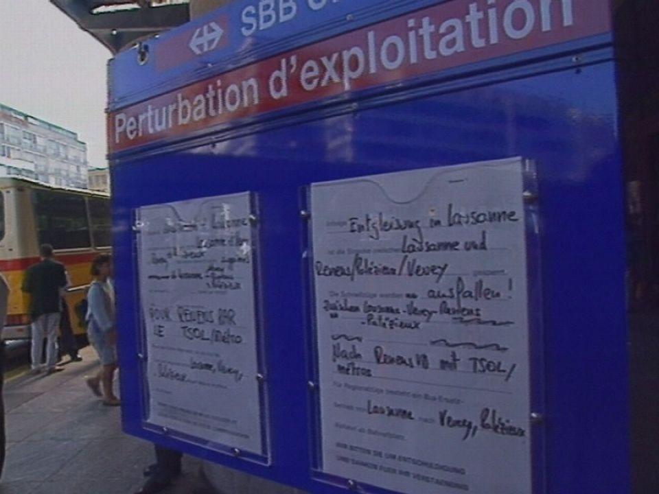 Panneau de perturbation d'exploitation à la gare de Lausanne en 1994. [RTS]