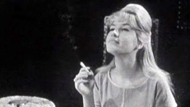 Ma première cigarette, une chanson au titre explicite.