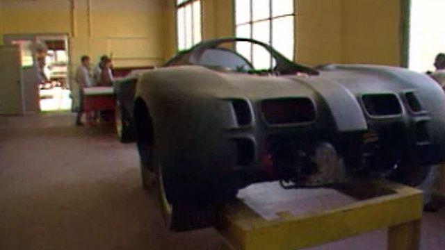 Concevoir une voiture, de la table à dessin jusqu'au prototype.
