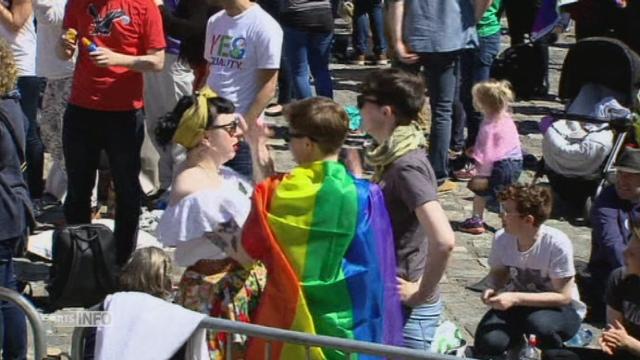 Les Irlandais disent oui au mariage homosexuel [RTS]