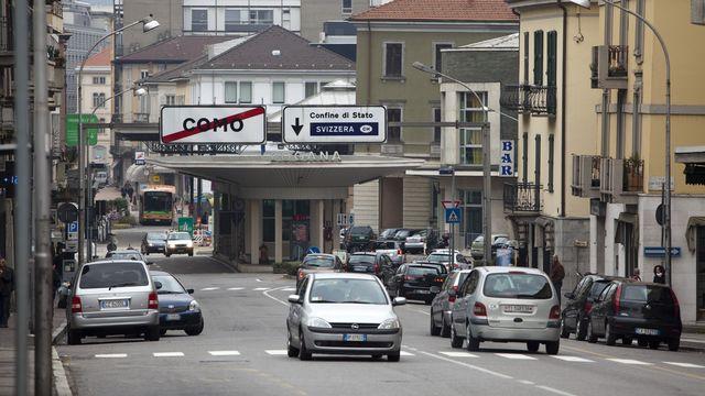 Sur les 5000 fonctionnaires cantonaux au Tessin, il n'y a que 119 frontaliers. [Martin Ruetschi - Keystone]