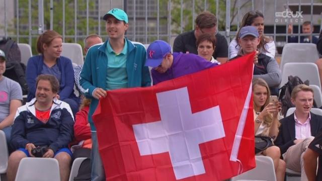 Timea Bacsinszky (SUI-23) – Tereza Smitkova (CZE) (6-2). La Suissesse est sur de bons rails en remportant cette 1re manche [RTS]