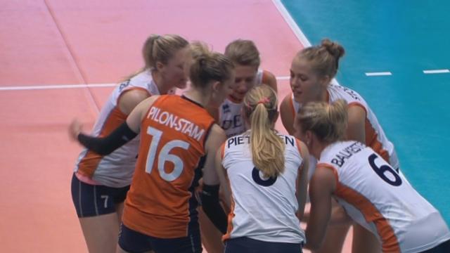 Demi-finale, Pays-Bas – Turquie (27-29 25-23). Les Bataves étaient menées de 5 longueurs, mais finissent par égaliser à 1 set partout [RTS]