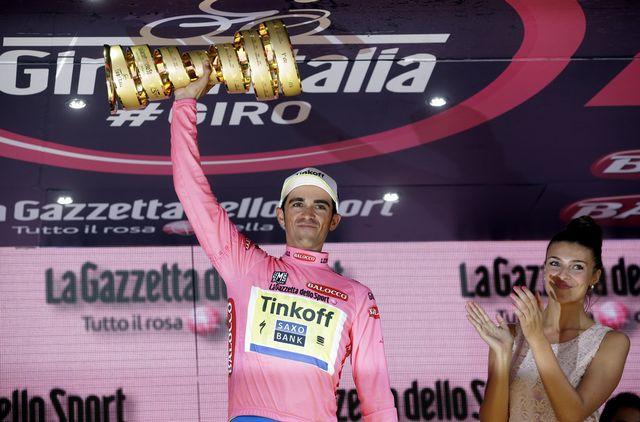 31 mai: Alberto Contador remporte la 98e édition du Giro, son deuxième succès sur la boucle italienne après 2008. L'espagnol signe ainsi son 7e succès dans les trois grands Tours (Tour de France, Giro et Vuelta). Seuls Merckx, Hinault et Anquetil ont fait mieux. [Antonio Calanni - Keystone]