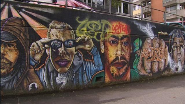 Les graffs ornent les murs des villes. [RTS]