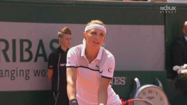 1-4 dames, Timea Bacsinszky (SUI) - Alison Van Uytvanck (BEL) (6-4): la Suissesse remporte ce 1er set [RTS]