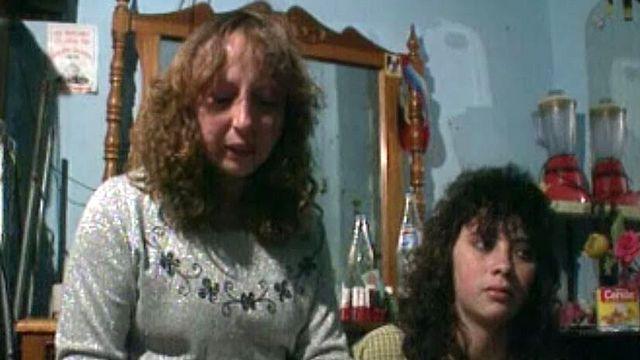 Ces femmes colombiennes sont forcées de passer de la drogue.