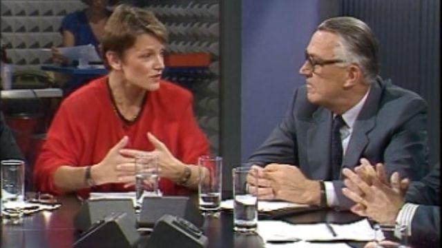 Débat animé par Eliane Ballif sur le business des expos en 1989. [RTS]