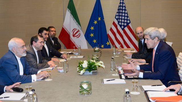 Séance de négociations à l'Hôtel Intercontinental, Genève, le 30.05.2015. [Laurent Gilliéron - Keystone]