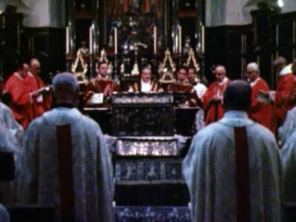 Regards sur le Valais où le catholicisme joue un rôle important.
