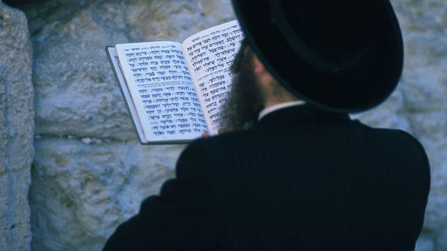 Juif orthodoxe en prière au Mur des Lamentations. [Godong / Photononstop / AFP]