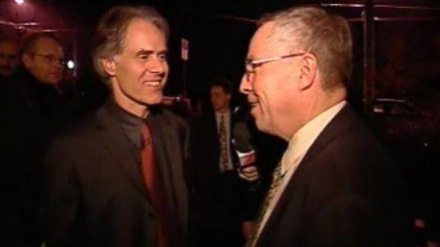 En 2001, Christoph Blocher convie Moritz Leuenberger, président de la Confédération. [RTS]