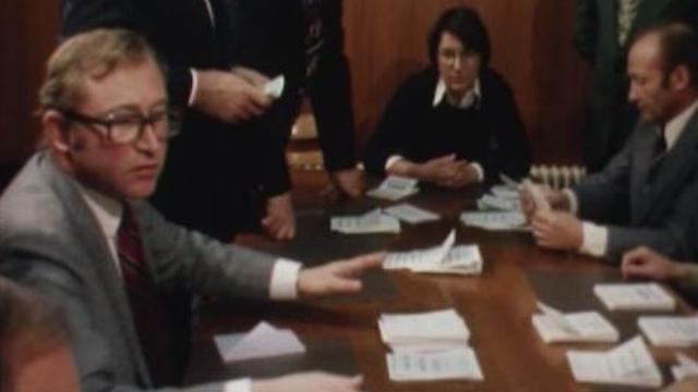 Elections communales sous haute tension dans le village de Chermignon, 1977. [RTS]